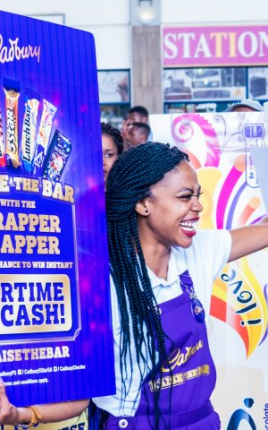 #RaiseTheBar with the Cadbury Wrapper Flapper